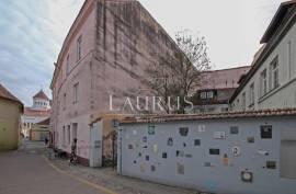 Parduodamas butas Vilniaus senamiestyje Pilies g.