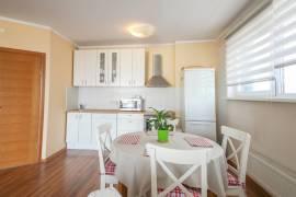 Nuomojamas 2 kambarių 60 kv. m  įrengtas butas su lodžija Pašilaičiuose, Vilniuje.