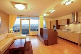 Nuomojamas 2 kambarių butas Gynėjų g. Senamiestyje, Vilniuje