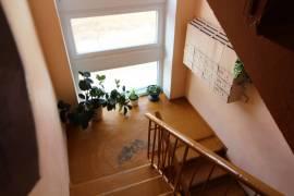 Parduodamas 2 kambarių butas su rūsiu ŠALČININKUOSE