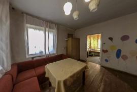 Namas Aukštadvaryje prie Navos ežero, Pušyno