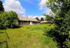 Parduodama kaimo sodyba Merkinės kaime Šalčininkų rajone \n\nSklypo plotas 39 arai (namų valda)\nTai