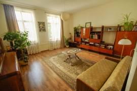 Nuomojamas 75 kv.m. 3 kambarių butas Klaipėdos senamiestyje, Žverjų g.