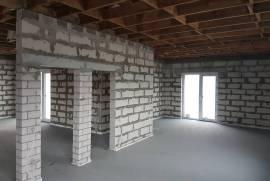 Vieno aukšto, 4 kambarių su erdviu sklypu namas