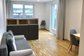 IŠNUOMOJAMAS IŠSKIRTINIS pilnai apstatytas, naujai įrengtas butas Vilniaus centre - su TERASA + BALK