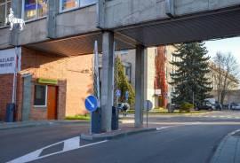 Patalpos jau laisvos.\nStrategiškai patrauklioje vietoje su puikiai išvystyta infrastruktūra išnuomo