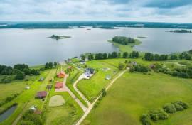 Sodyba Molėtų rajone su ežero pakrante