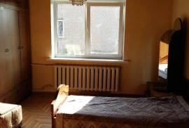 Plungėjė: parduodamas 2 aukštų mūrinis gyvenamasis namas su garažu ir ūkiniu pastatu, Medingėnų
