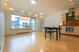 Nuomojamas 2 kambarių butas Grybo g. Antakalnyje, Vilniuje, V. Grybo g.